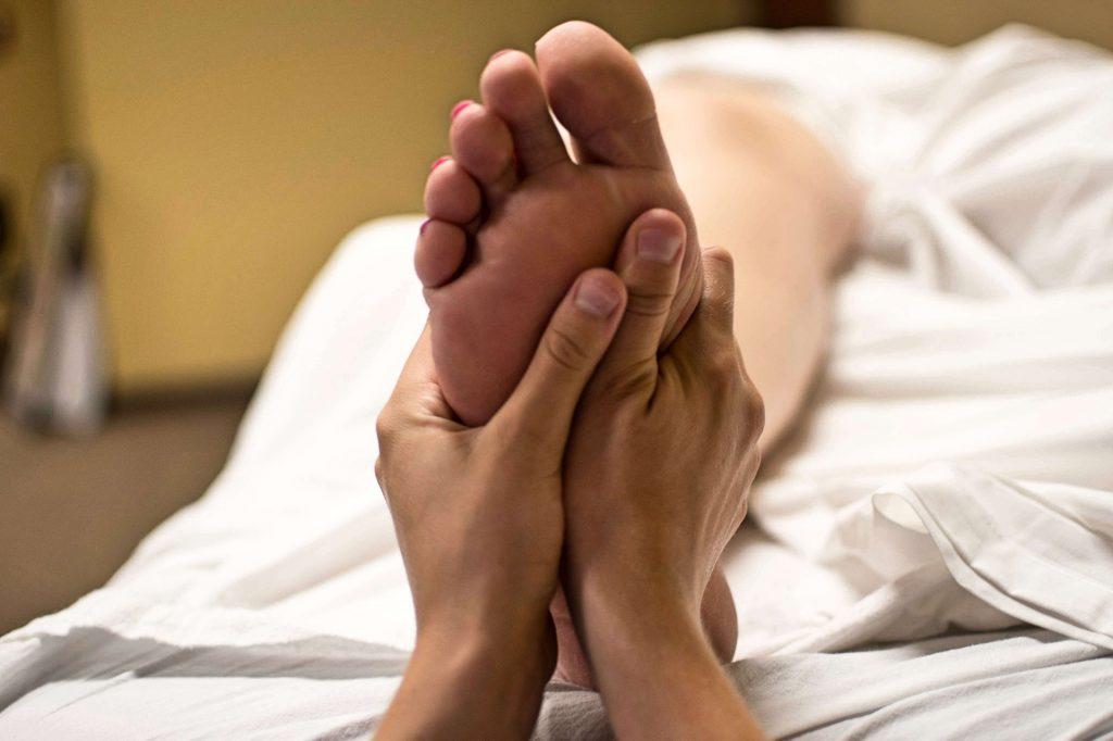 foot massage during pregnancy