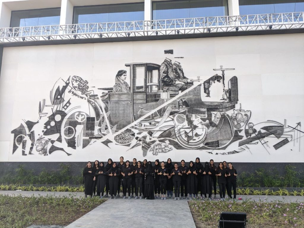 Indore Artists Create World's Largest Mosaic Portrait