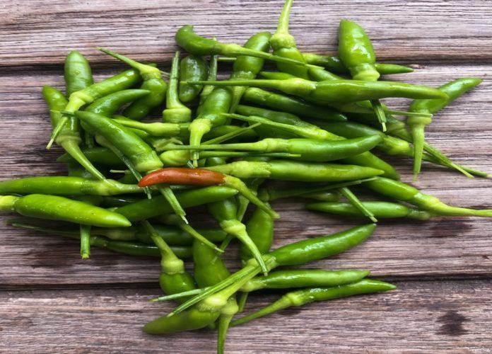 12 Amazing Health Benefits of Green Chillies