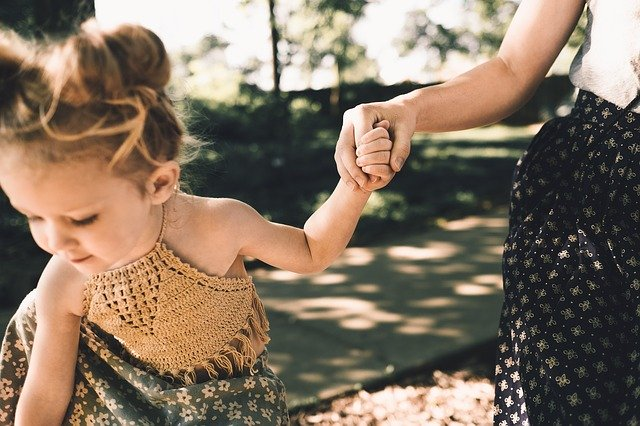 Advantages and Disadvantages of RIE Parenting