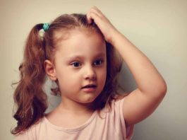 Signs and Symptoms of Dandruff in Kids