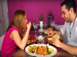 Why Eating With Hands Is Good For Your Health?