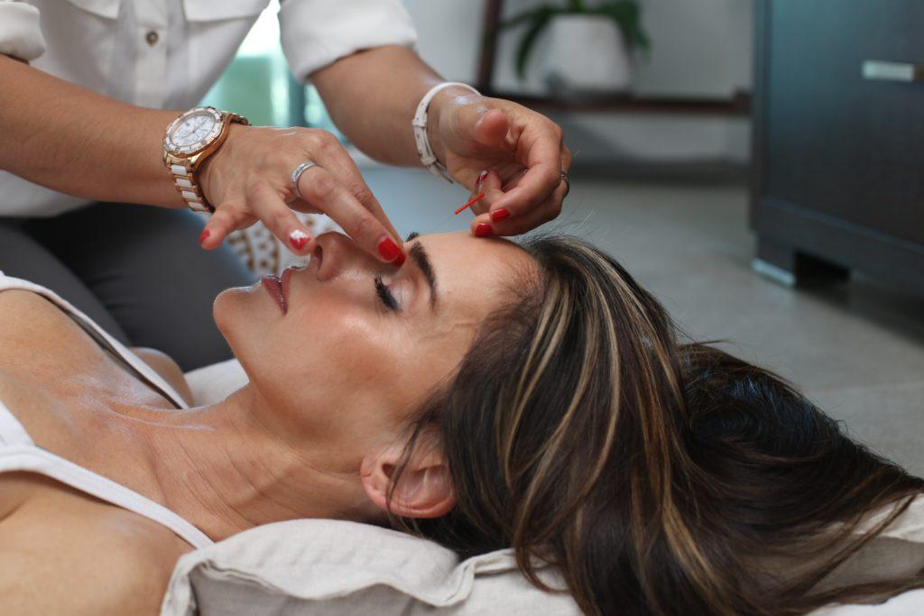 10 Ways To Tighten Your Neck Skin