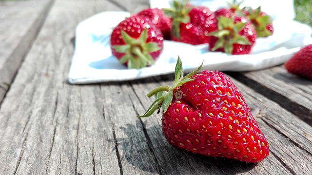 6 Fruits For Healthy Glowing Skin