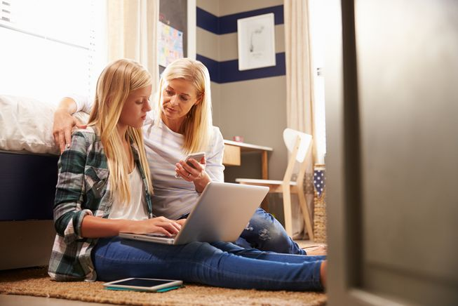 Tips To Become An Effective Digital Parent
