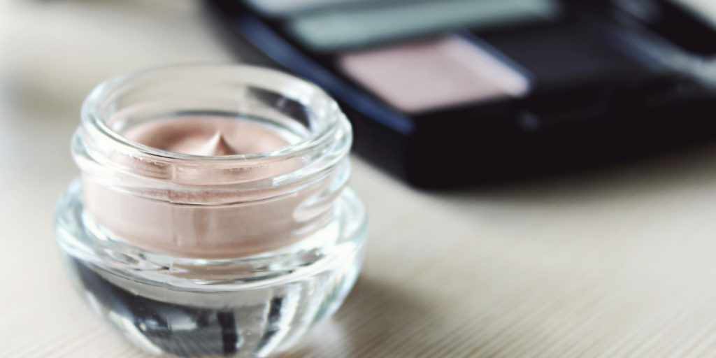 Must-Have Items In Your Makeup Bag For Beginners