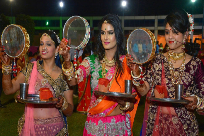 Know How To Look Stunning This Karwa Chauth 2020