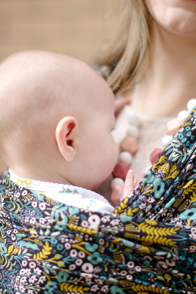 Nursing Necklace for Breastfeeding Moms: Is It Safe?