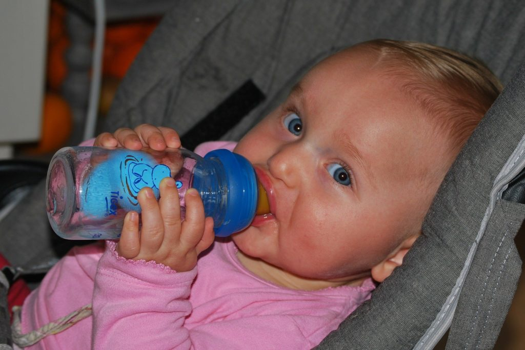 Apple Juice For Babies: Is It Safe?